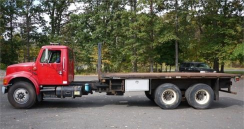 flatbed truck image